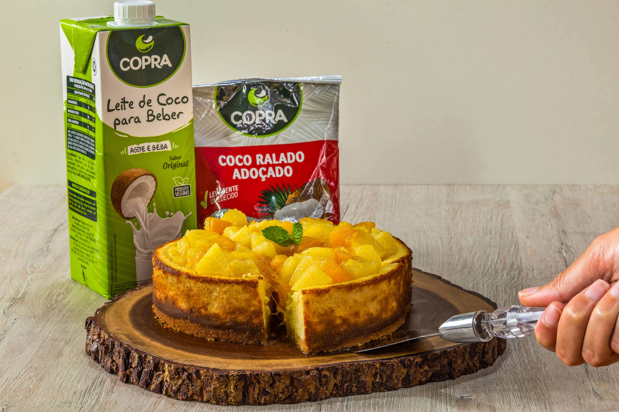 Torta de Ricota e Coco com Frutas Amarelas